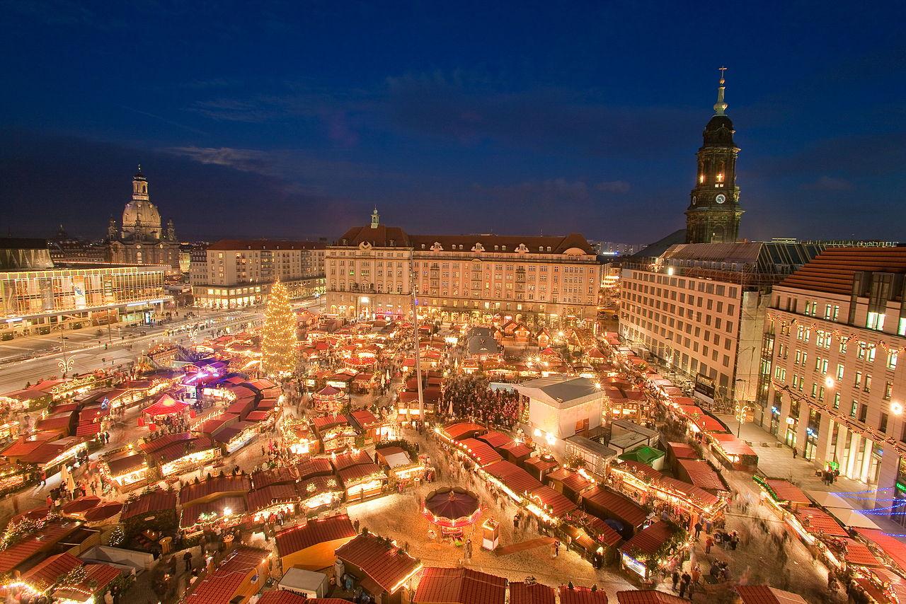 striezelmarkt-dresden-christmas-market