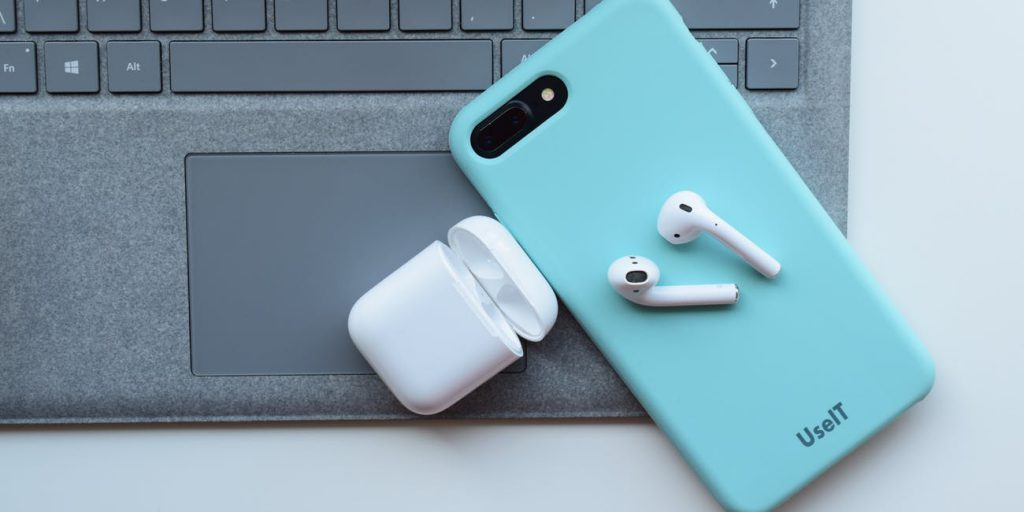 Apple AirPods Giveaway - Easirent